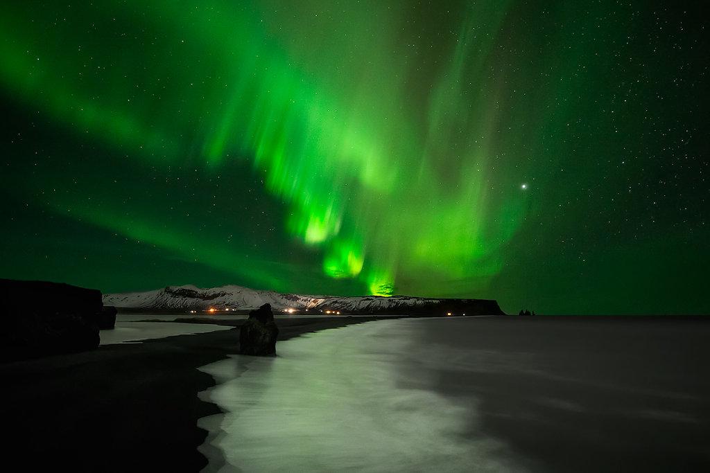 Green Lights Show !